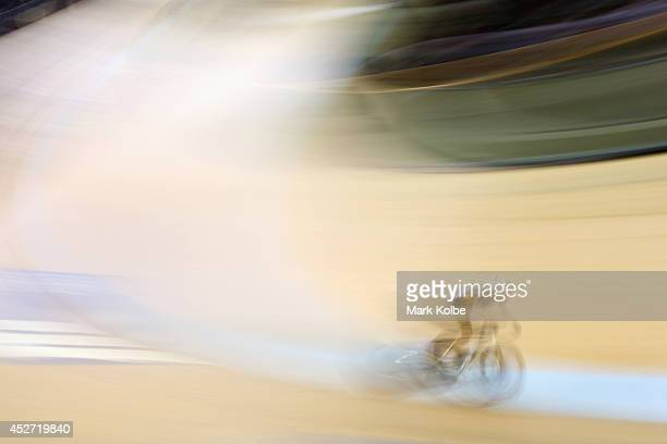 Theuns Van Der Bank of South Africa competes in the men's 40km points race quaifying round at Sir Chris Hoy Velodrome during day three of the Glasgow...