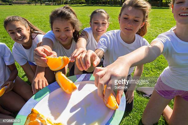 They go bananas for oranges!