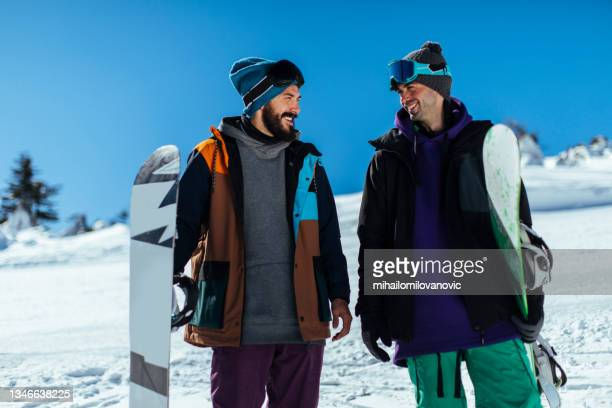 they have been hitting the slopes together for years - 25 29 years stock pictures, royalty-free photos & images