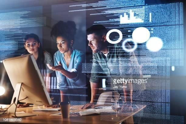 sie haben die intelligenz um es herauszufinden - entwicklung stock-fotos und bilder
