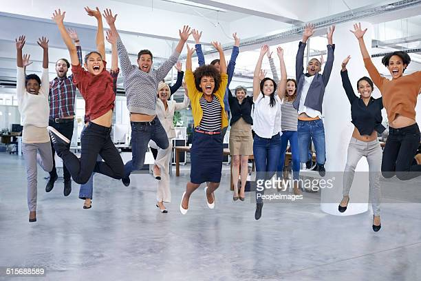 they'll jump at the chance to help you out - vreugde stockfoto's en -beelden