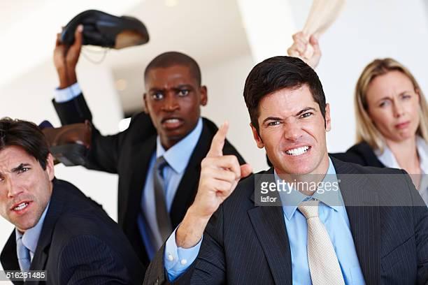 Ils violent lorsqu'il s'agit d'affaires