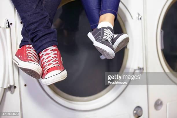 Son tranquilo mientras lavandería y planchado