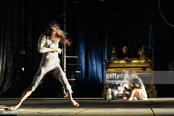 Thi Mai Nguyen James Thierree and Valerie Doucet of Compagnie du Hanneton perform on stage 'The Toad Knew' during the Edinburgh International...