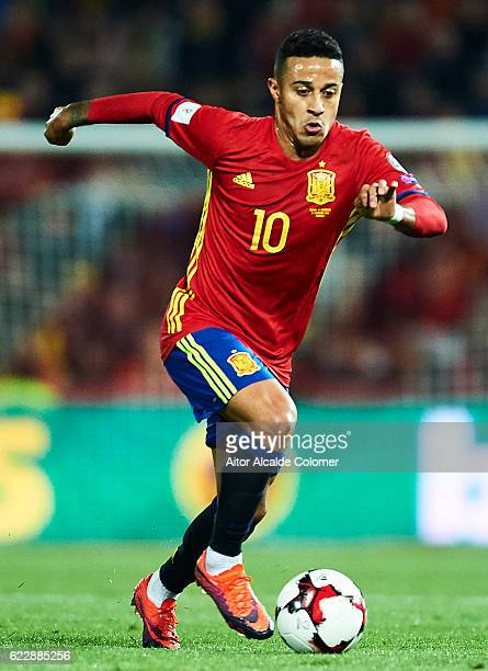 Thiago Alcantara of Spain in action during the FIFA 2018 World Cup Qualifier between Spain and FYR Macedonia at Estadio Nuevos los Carmenes on...