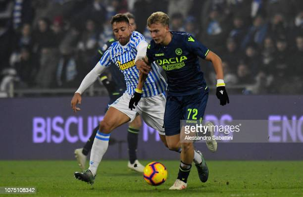 Thiago Cionek of Spal competes for the ball with Antonin Barak of Udinese Calcio during the Serie A match between Spal and Udinese at Stadio Paolo...
