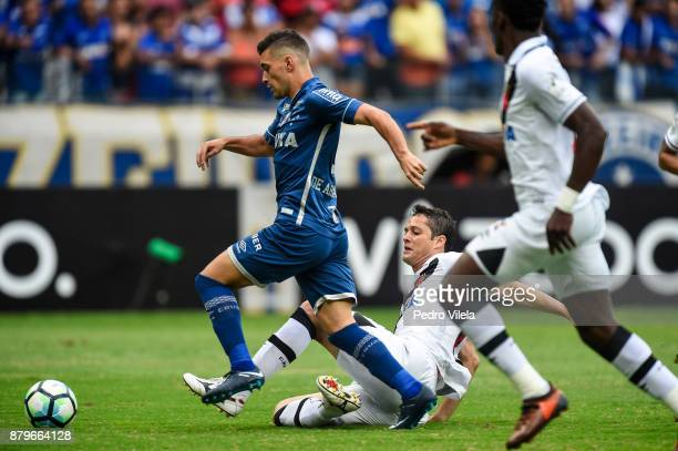 Thiago Neves of Cruzeiro and Anderson Martins of Vasco da Gama battle for the ball during a match between Cruzeiro and Vasco da Gama as part of...