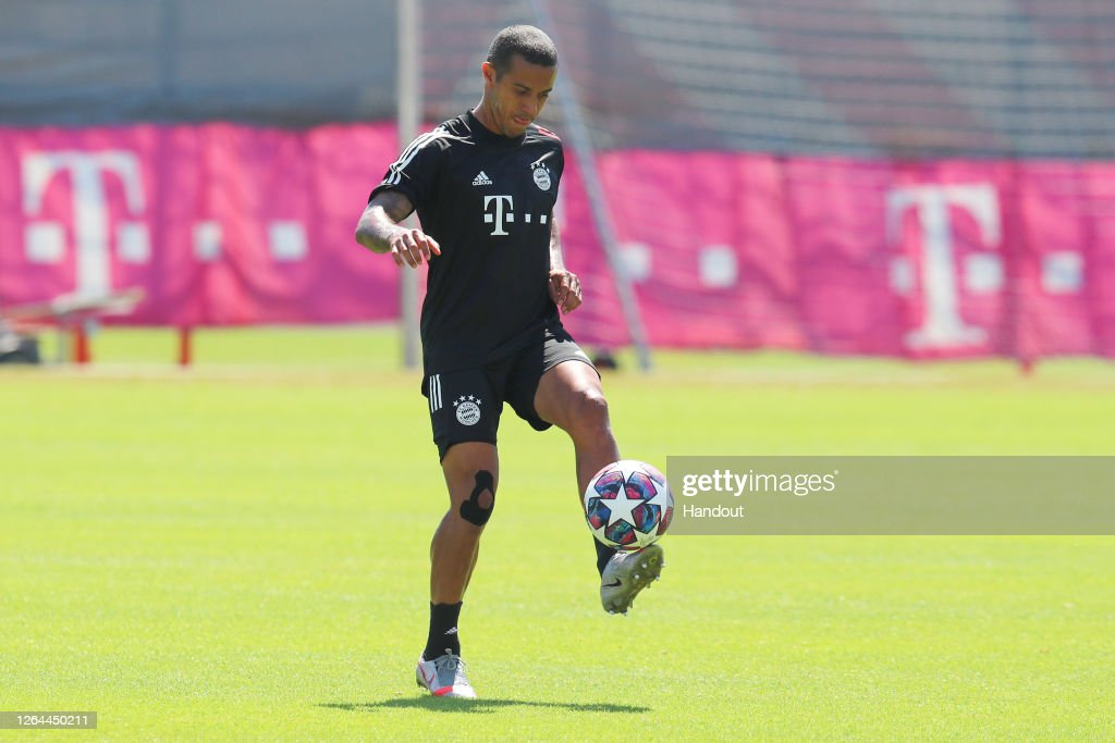 FC Bayern Muenchen Training And Press Conference : News Photo