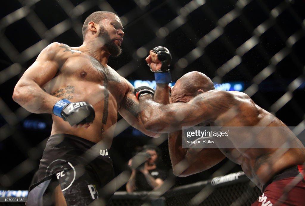 UFC 231 Manuwa v Santos : News Photo