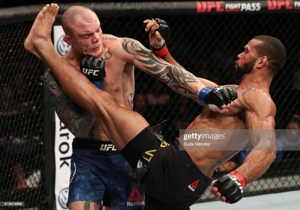 UFC Fight Night: Santos v Smith : News Photo