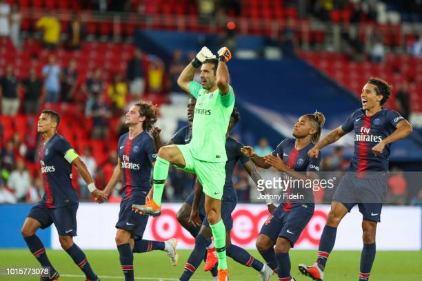 Thiago Silva Adrien Rabiot Gianluigi Buffon and Marquinhos of PSG celebrate the victory during the French Ligue 1 match between Paris Saint Germain...
