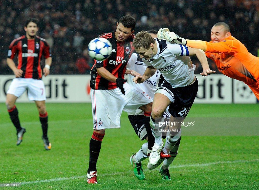 AC Milan v Tottenham Hotspur - UEFA Champions League : News Photo