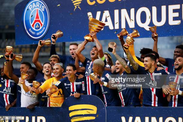 Thiago Silva of Paris Saint-Germain celebrates the victory and lift the French League Cup after the game between Paris Saint Germain and Olympique...