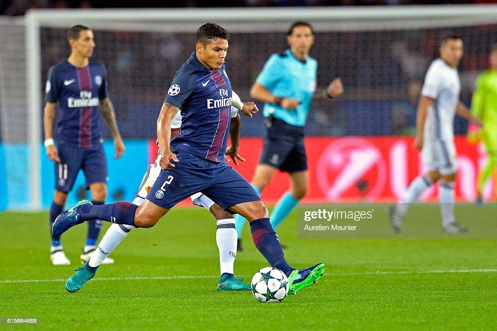 Thiago Silva of Paris Saint-Germain kicks the ball during the UEFA Champions League match between Paris Saint-Germain and FC Basel 1893 at Parc des Princes on October 19, 2016 in Paris, France.
