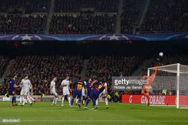 Thibaut Courtois of Chelsea saves a shot from Luis Suarez of FC Barcelona during the UEFA Champions League Round of 16 Second Leg match FC Barcelona...