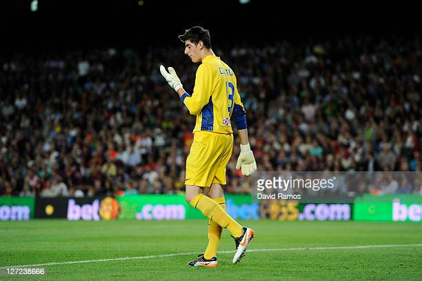 38d2f4585 Thibaut Courtois of Club Atletico de Madrid looks on during the La Liga  match between FC. FC Barcelona v ...