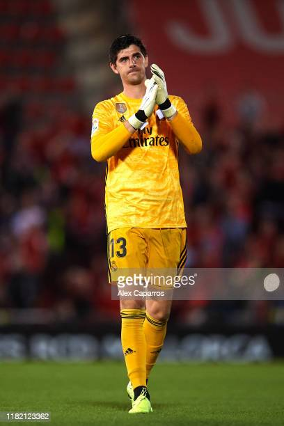Thibaut Courtois of Real Madrid CF applauds to Real Madrid CF supporters at the end of the La Liga match between RCD Mallorca and Real Madrid CF at...