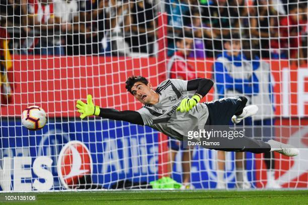 Thibaut Courtois of Real Madrid CF in action during the warm up prior to the La Liga match between Girona FC and Real Madrid CF at Montilivi Stadium...