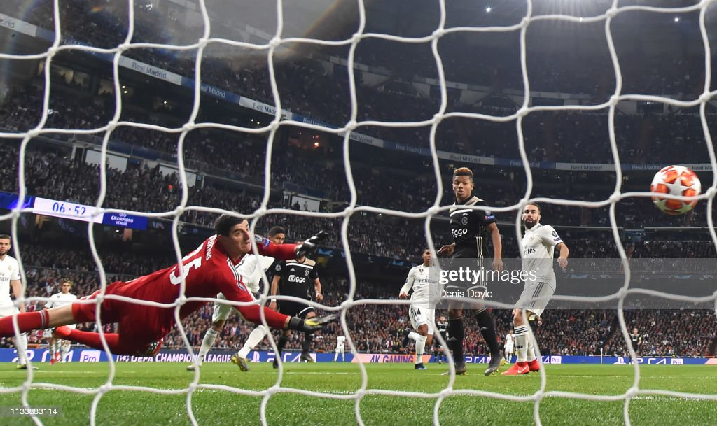 Real Madrid v Ajax - UEFA Champions League Round of 16: Second Leg : News Photo
