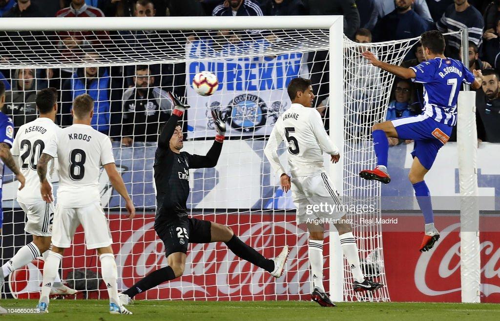 Deportivo Alaves v Real Madrid CF - La Liga : ニュース写真