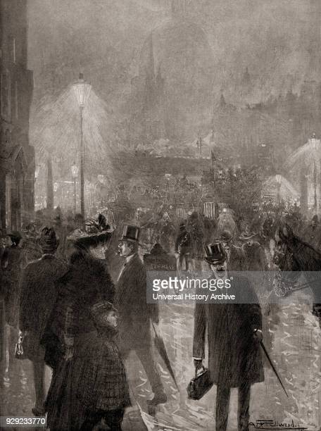 Thick fog at Ludgate Circus London England in the late 19th century Pea soup or a pea souper aka black fog killer fog or smog was a very thick and...