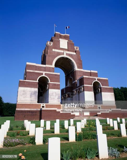 thiepval memorial and war cemetery in france - thiepval memorial stock pictures, royalty-free photos & images