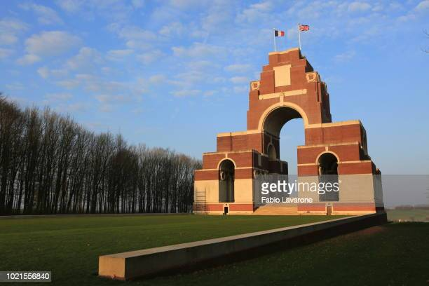 thiepval memorial - thiepval memorial stock pictures, royalty-free photos & images