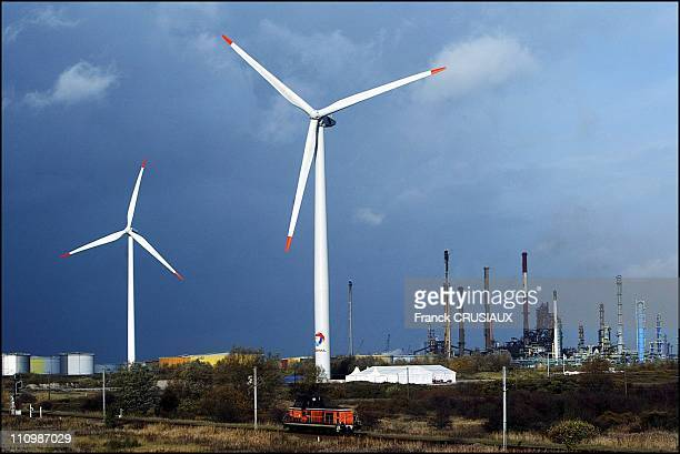 Thierry Desmarest inaugurates a wind pump power station in Dunkerque in Mardyck France on November 14 2003