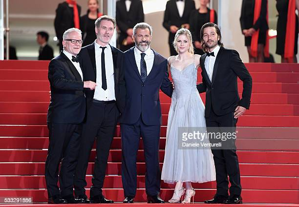 Thierry Fremaux JeanFrancois Richet Mel Gibson Erin Moriarty and Diego Luna attend the Blood Father Premiere during the 69th annual Cannes Film...