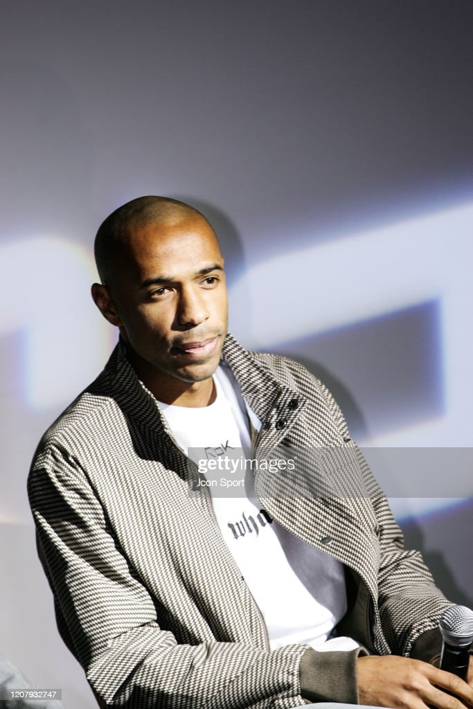 negativo Contribuyente 鍔  Thierry HENRY during a press conference at Reebok headquarters to... News  Photo - Getty Images