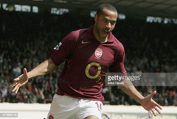 Thierry Henry of Arsenal celebrates after scoring the equalising goal during the Barclays Premiership match between Arsenal and Tottenham Hotspur at...