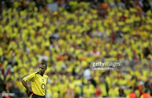 Thierry Henry of Arsenal prepares to take a freekick during the UEFA Champions League Final between Arsenal and Barcelona at the Stade de France on...
