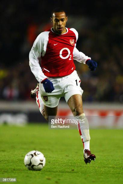 Thierry Henry of Arsenal running with the ball during the UEFA Champions League Group B match between Arsenal and Lokomotiv Moscow on December 10...