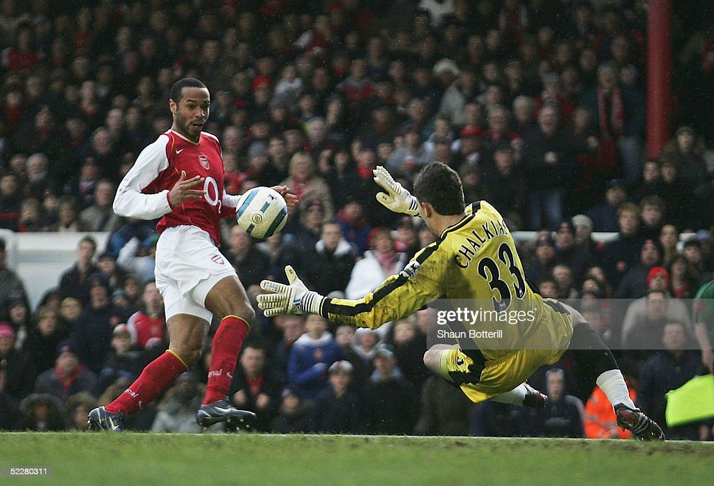 Arsenal v Portsmouth : News Photo