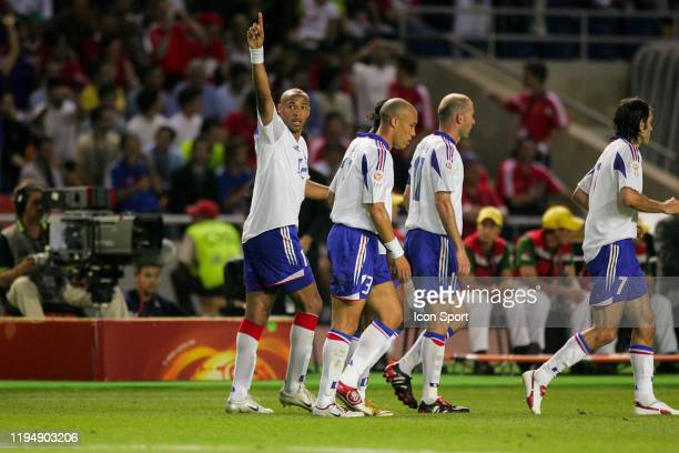 Thierry HENRY of France celebrates his goal with Mikael SILVESTRE of France, Zinedine ZIDANE of France and Robert PIRES of France during the European...