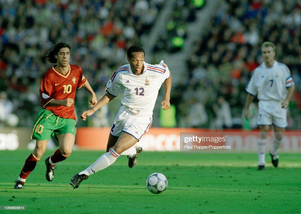 France v Portugal - UEFA Euro 2000 Semi Final : Photo d'actualité