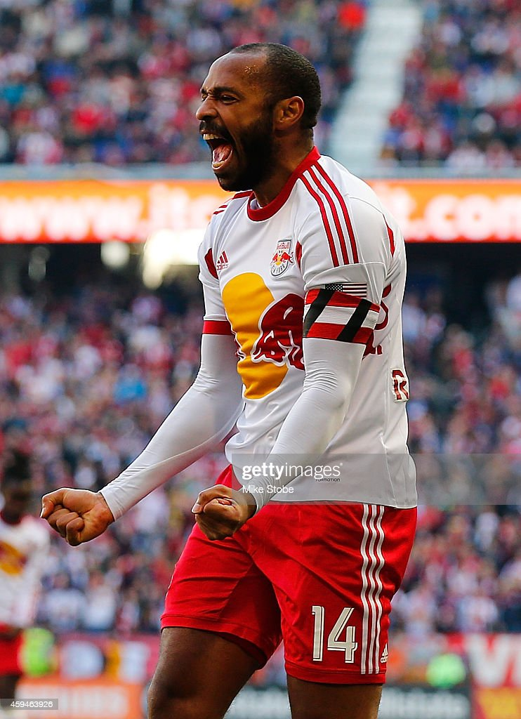 New England Revolution v New York Red Bulls - Eastern Conference Final - Leg 1 : News Photo