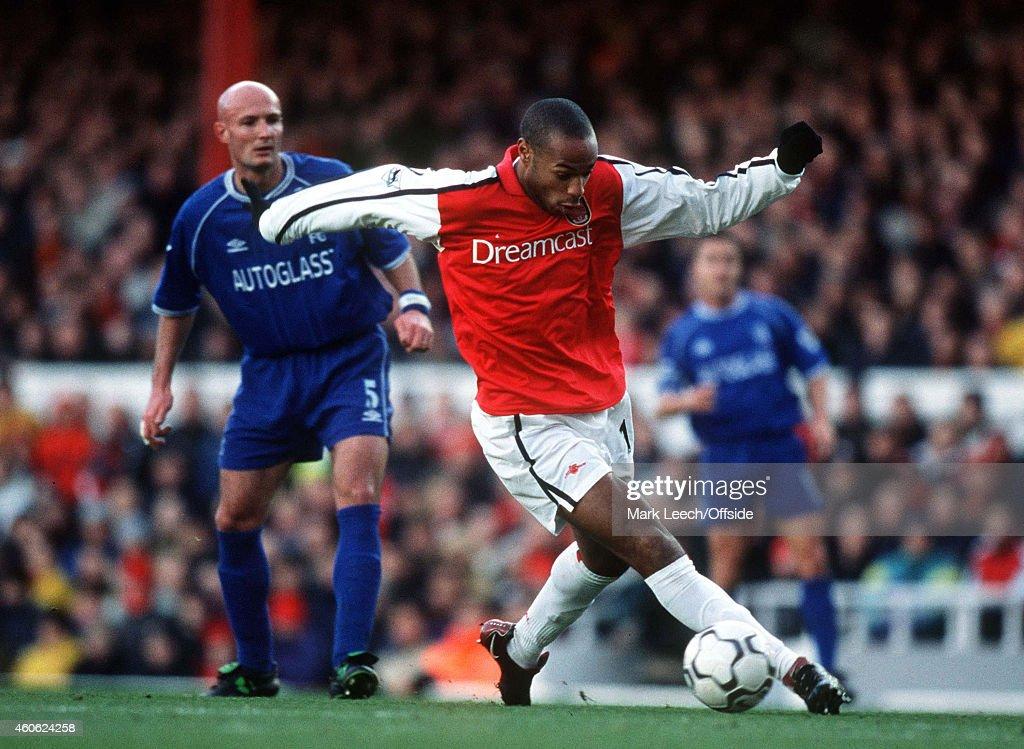 Arsenal v Chelsea - Premiership : News Photo