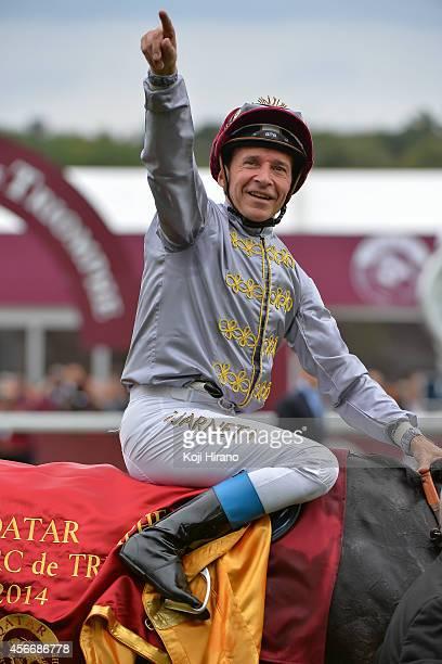 Thierry Jarnet riding Treve wins the Qatar Prix de l'Arc de Triomphe during Prix de l'Arc de Triomphe at Longchamp Racecourse on October 5 2014 in...