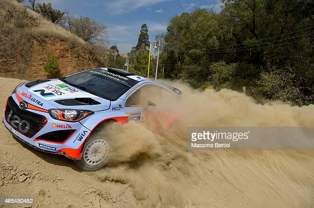 Thierry Neuville of Belgium and Nicolas Gilsoul of Belgium compete in their Hyundai Motorsport Hyundai i20 WRC during Day One of the WRC Mexico on...