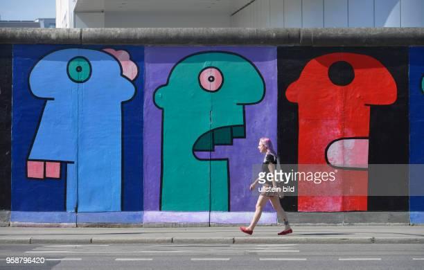 Thierry Noir, East Side Gallery, Muehlenstrasse, Friedrichshain, Berlin, Deutschland