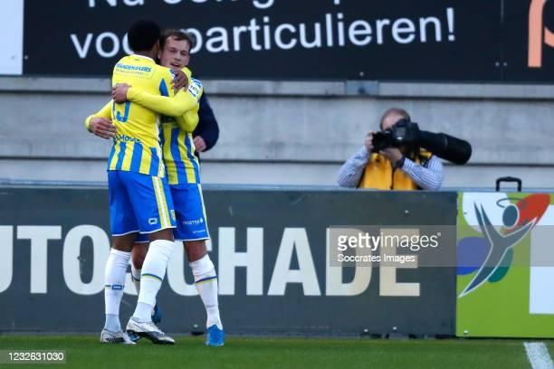 Thijs Oosting of RKC Waalwijk celebrates 1-0 with Sylla Sow of RKC Waalwijk during the Dutch Eredivisie match between RKC Waalwijk v AZ Alkmaar at...