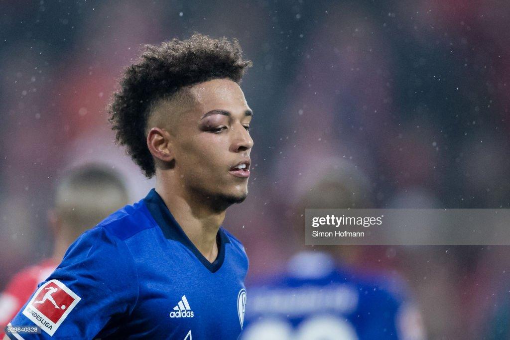 Thilo Kehrer of Schalke is injurewd during the Bundesliga match between 1. FSV Mainz 05 and FC Schalke 04 at Opel Arena on March 9, 2018 in Mainz, Germany.