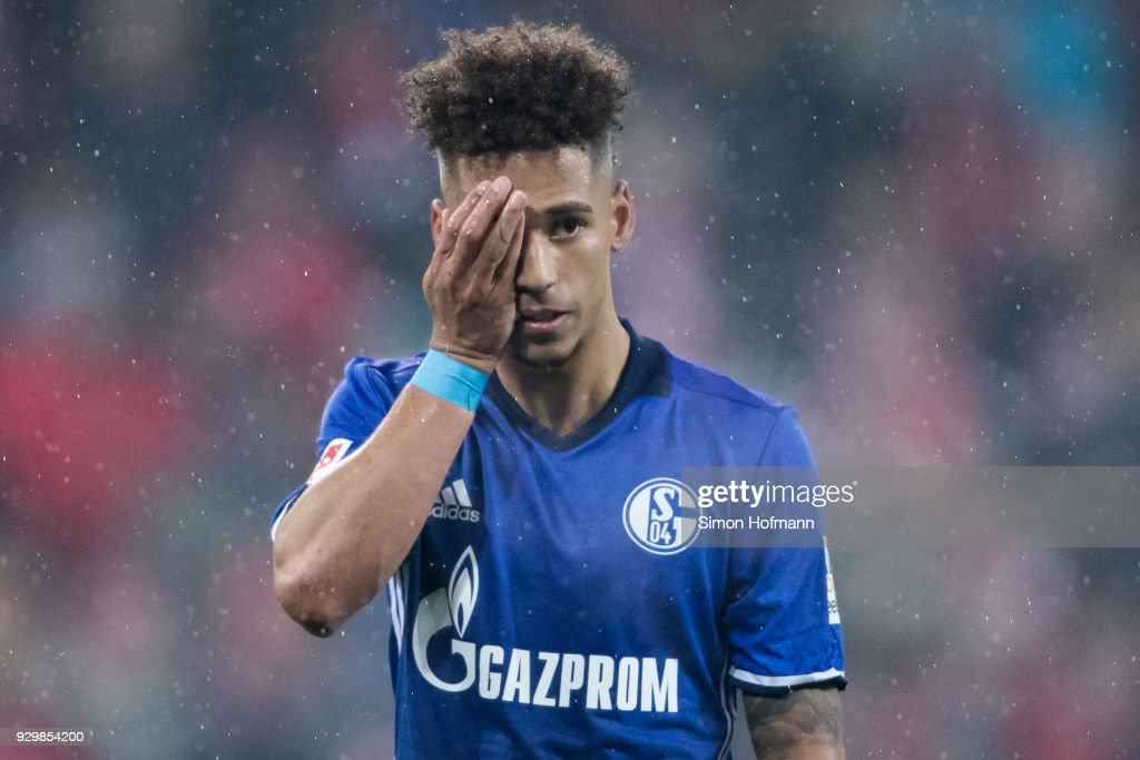 Thilo Kehrer of Schalke reacts as he is injured during the Bundesliga match between 1. FSV Mainz 05 and FC Schalke 04 at Opel Arena on March 9, 2018 in Mainz, Germany.