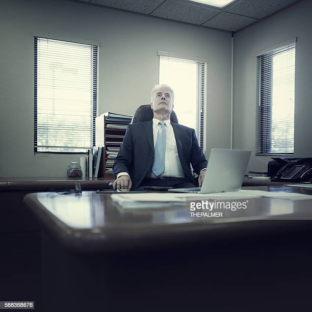things are going bad in the office - stock trader upset stock pictures, royalty-free photos & images