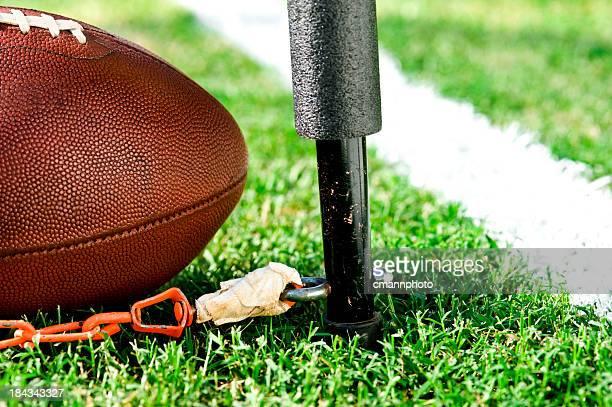 Tercera y corto medición-fútbol americano