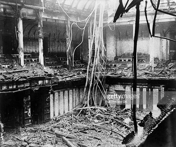 Third Reich burníng of the Reichstag on night of 27 to View into the destroyed plenar hall