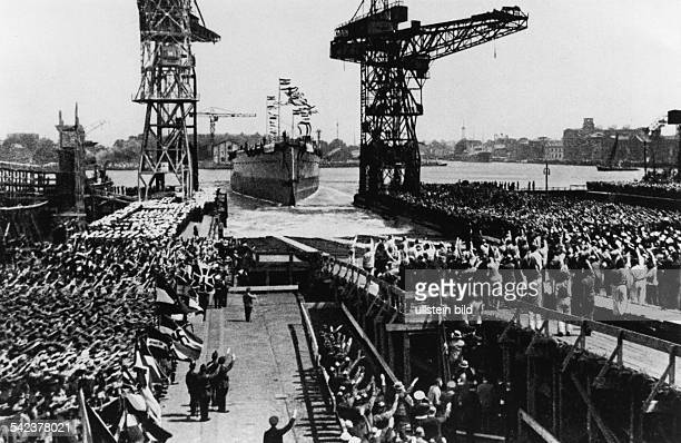 Third Reich Navy Launch of the German battleship 'Admiral Graf Spee' in Wilhelmshaven