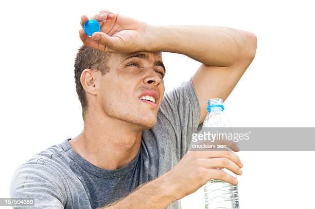 喉が渇いた男性飲む