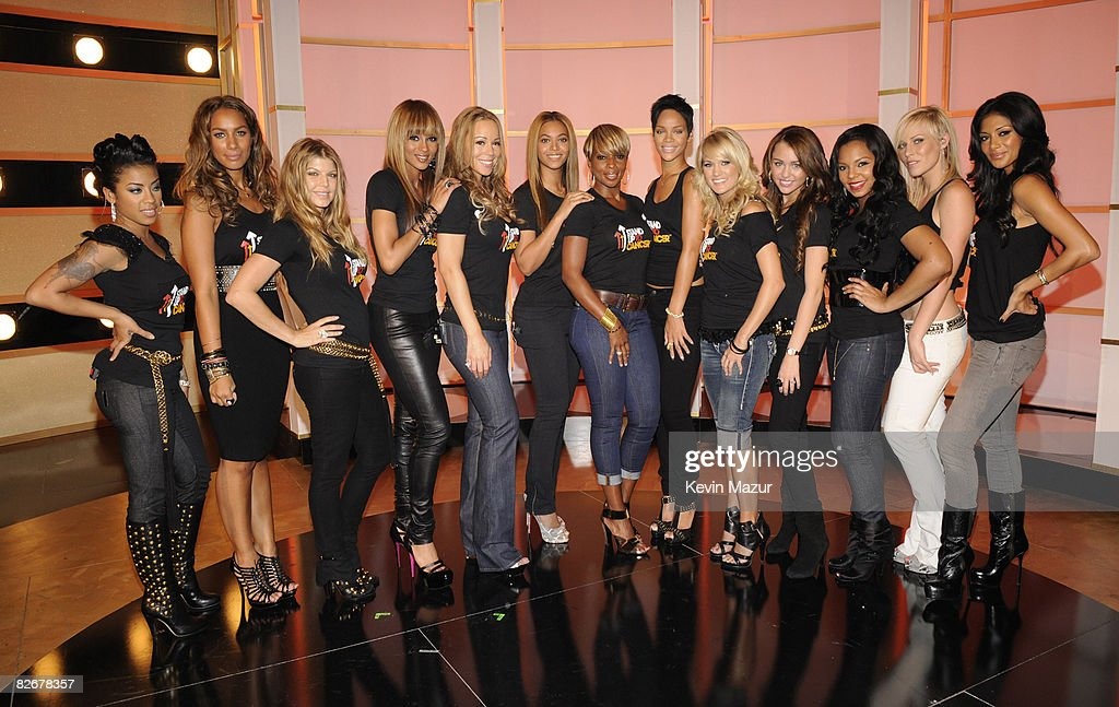 Conde Nast Media Groups 5th Anniversary of Fashion Rocks-Back Stage : News Photo